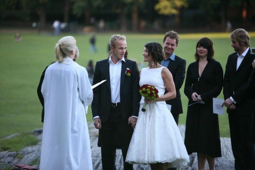 Agneta gifte sig med sin ungdomskärlek Per i New York för nio år sedan. Foto: Stella Pictures