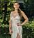 Victoria Aguiluz i silverklänning i Bachelor 2021