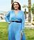 Emelie Wannberg i blå klänning i Bachelor 2021