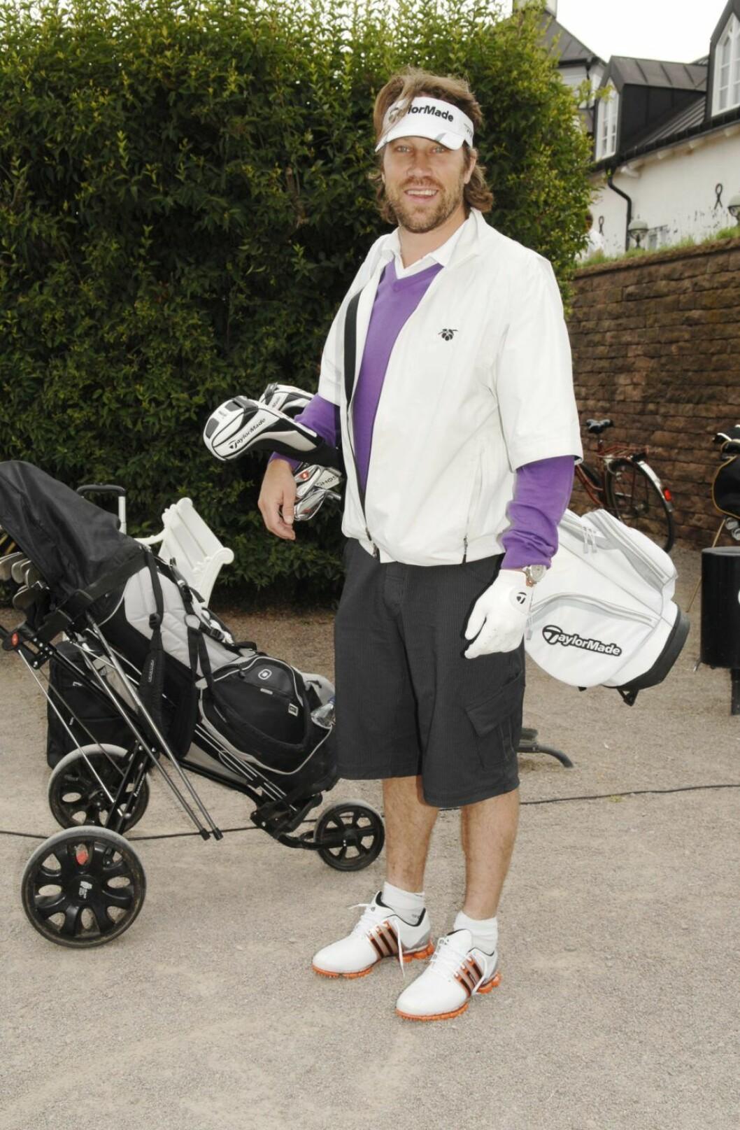 Peter Forsberg gillar att spela golf.