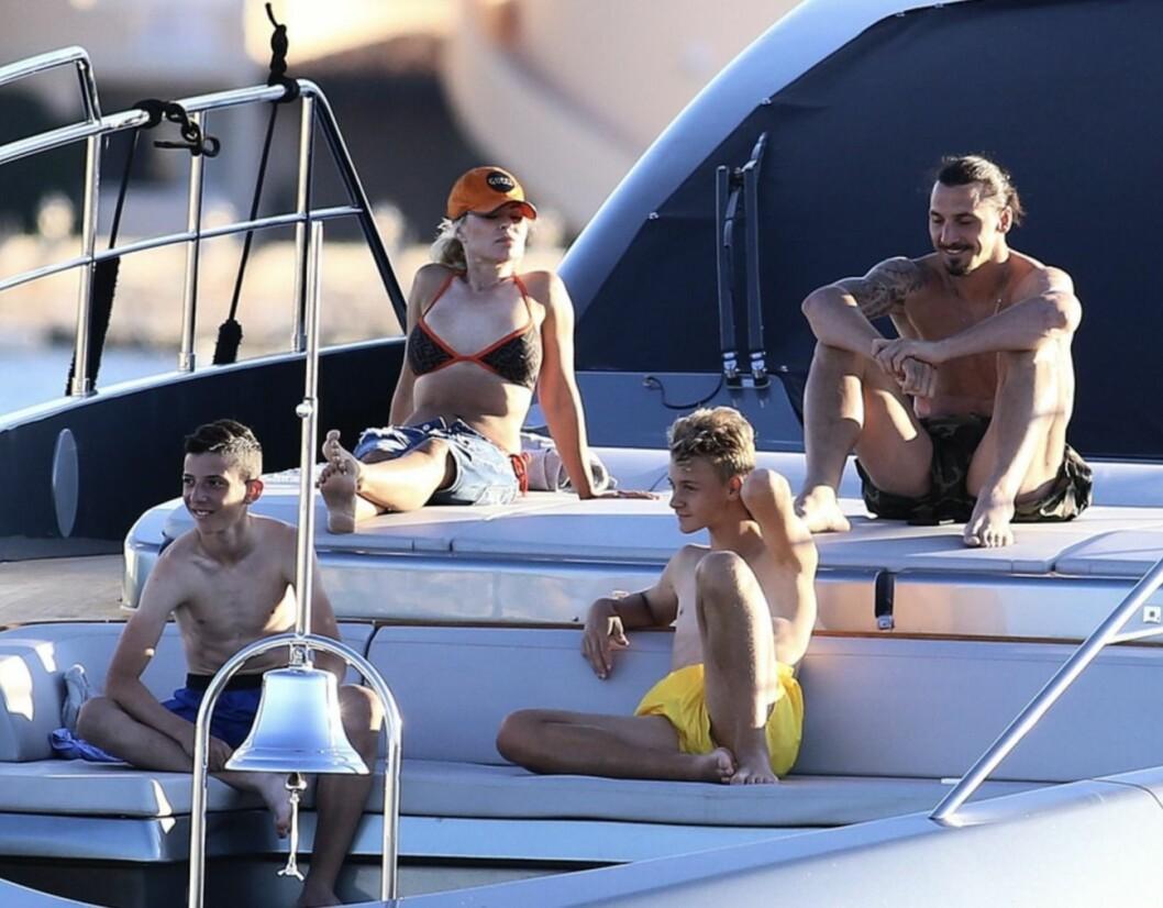Zlatan familj Helea på båt